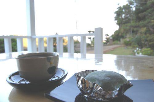 民泊でお茶.JPG