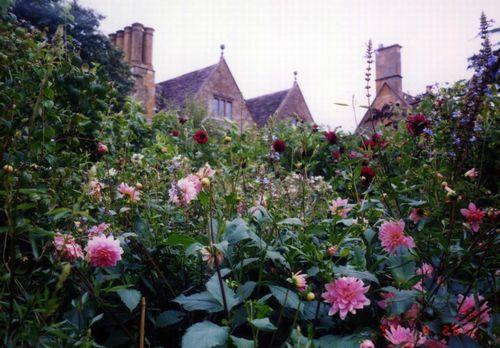 hidcote manor garden1.JPG